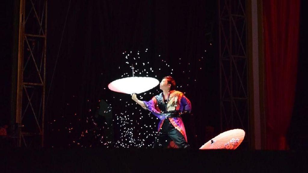 Sirkus Internasional Ramaikan Libur Lebaran di Trans Studio Makassar