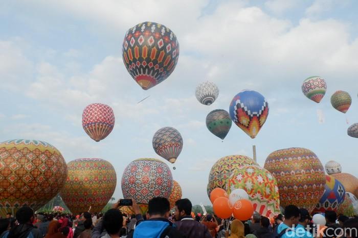 Festival balon udara di Wonosobo, Jawa Tengah (Foto: Uje Hartono/detikcom)