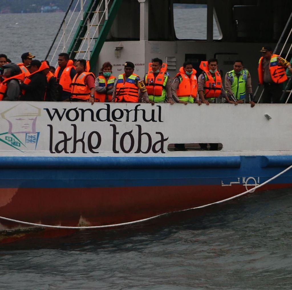 KM Sinar Bangun Tenggelam: 192 Orang Hilang, 18 Selamat, 3 Tewas