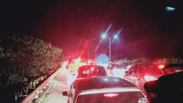 Sony 6 Jam Terjebak Macet akibat One Way Cipali