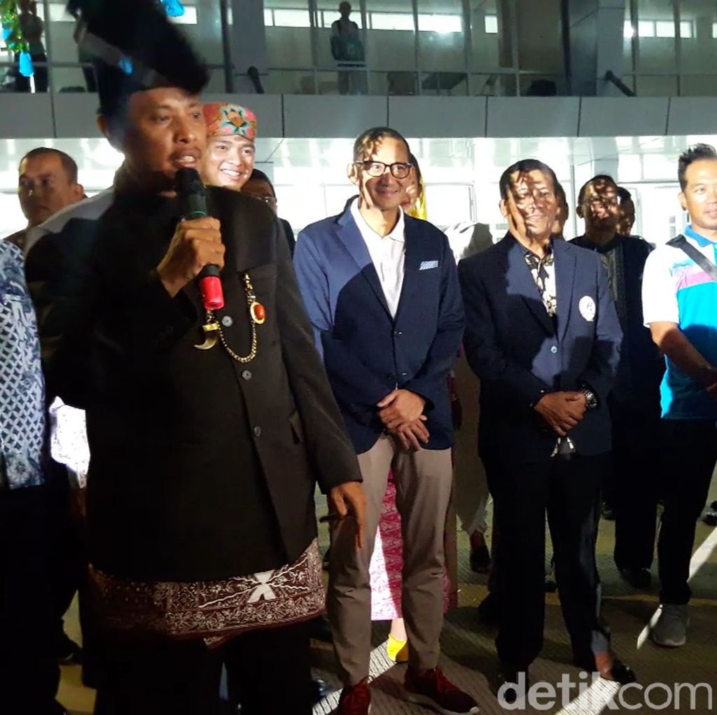 Buka Lomba Memancing Se-Asia di Ancol, Sandi Nyanyi Lagu Sailing