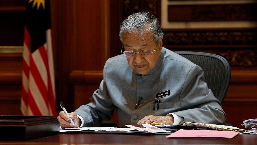 Mahathir: Saya Yakin China Tak Ingin Malaysia Bangkrut
