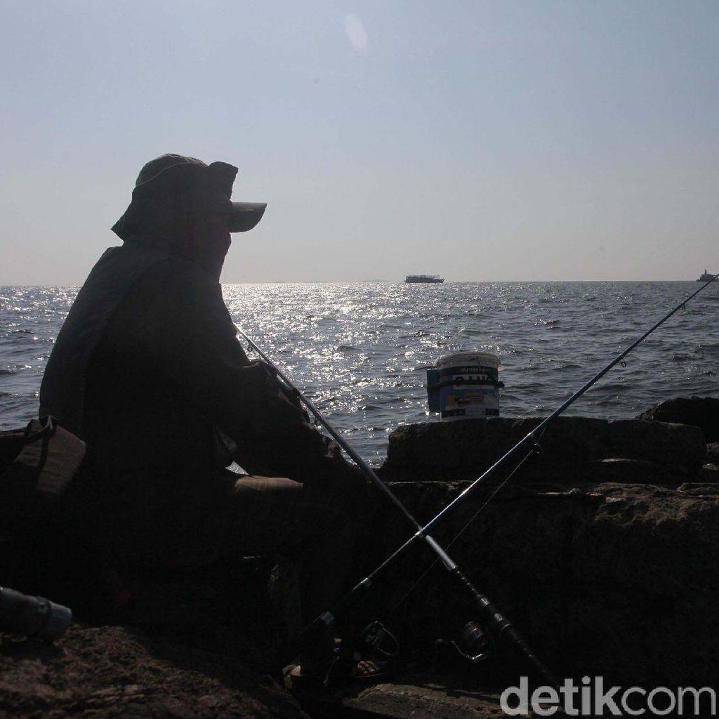 Memancing untuk Mengisi Waktu Libur Lebaran