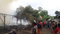 3 Rumah dan 1 Toko Ludes Dilalap Si Jago Merah di Bojonegoro