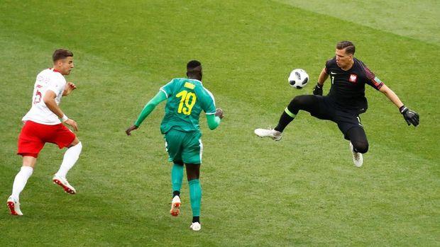 M'Baye Niang mencetak gol perdana di Piala Dunia ketika Senegal berhadapan dengan Polandia.