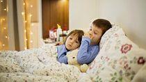 Viral Menyentuh Hati, Kakak Temani Adik 4 Tahun yang Idap Kanker