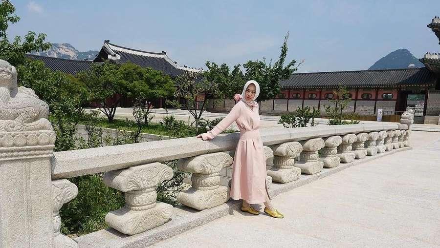 Gaya Liburan ke Korea ala Chacha Frederica