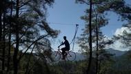 Foto: Sepeda Terbang di Sulawesi Selatan