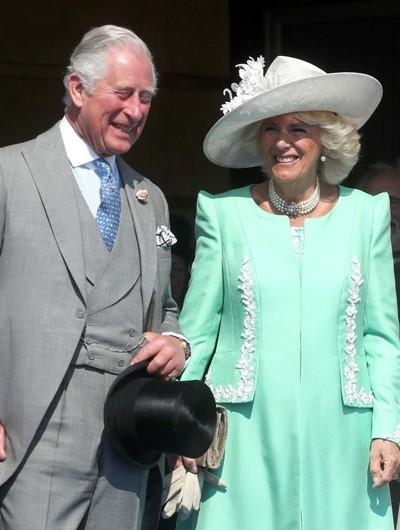 Camilla Parker Bowles dan Pangeran Charles. Foto: Getty Images