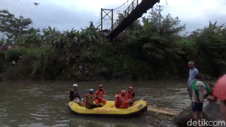 Menolak Diobati, Pria Depresi Nekat Terjun ke Sungai Ciwulan