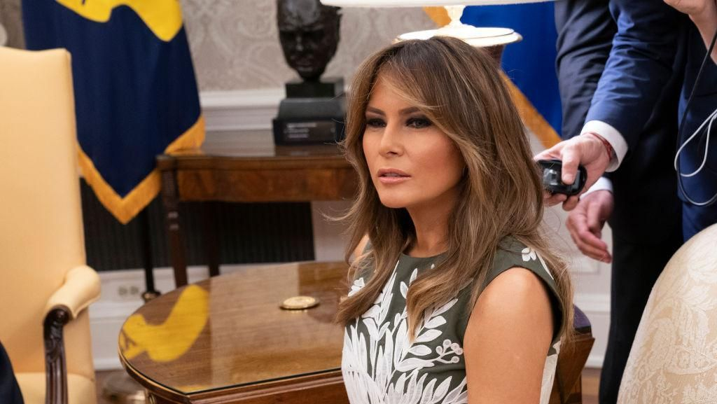 Fashion Jadi Senjata Melania untuk Hukum Donald Trump