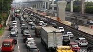 Tol Cikampek Arah Jakarta Padat 11 Km