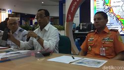 Naik Heli, Menhub Tinjau Lokasi Tenggelamnya KM Sinar Bangun