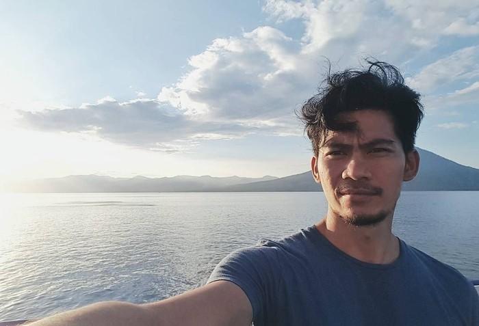 Nama Donny Alamsyah melambung semenjak memainkan film Gie di tahun 2005 dan 9 Naga pada 2006. Baru-baru ini, ia juga mengambil peran dalam film Insya Allah Sah 2. (Foto Instagram/donnyalamsyah)