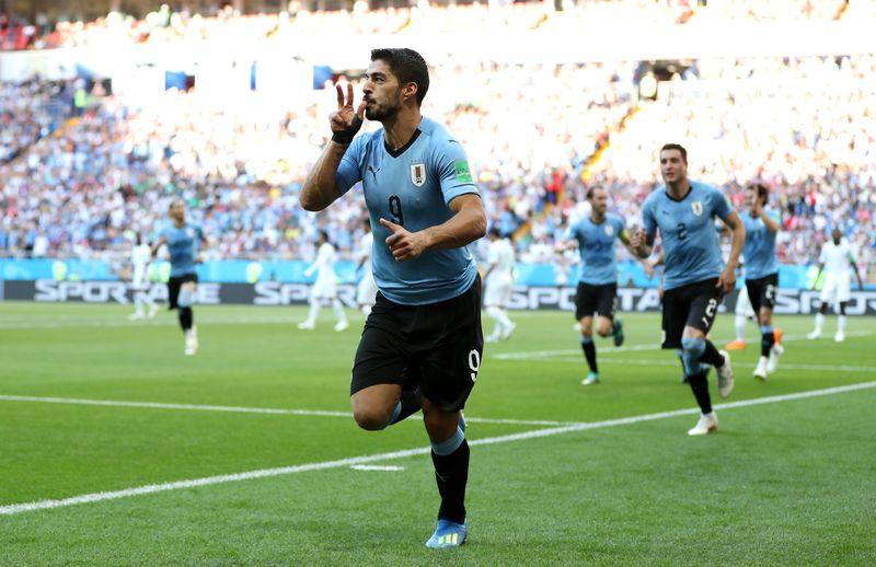 Luis Suarez merupakan penyerang asal Uruguay yang memperkuat tim Barcelona. Pada kancah Piala Dunia 2018, dia masih jadi andalan dan terus melaju sampai Perempat Final (Ryan Pierse/Getty Images)