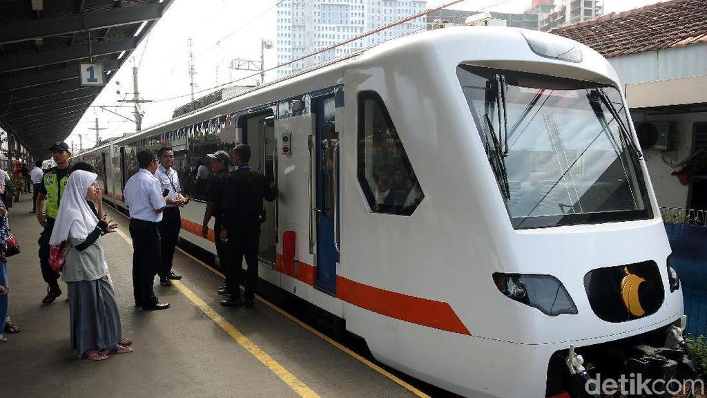 Mesin Tiket KA Bandara Sempat Eror, Ini Penjelasan Railink
