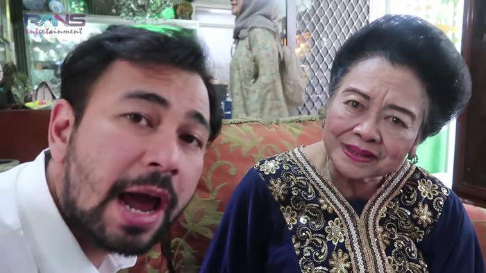 Dalam vlog tersebut, nenek dari Raffi Ahmad memperkirakan rumahnya senilai Rp 100 miliar. Dok. Rans Entertainment.