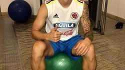 James Rodriguez, gelandang andalan Tim Nasional Kolombia di Piala Dunia 2018. Di luar lapangan, rupanya ia rutin nge-gym. Mau tahu seperti apa? Yuk lihat!