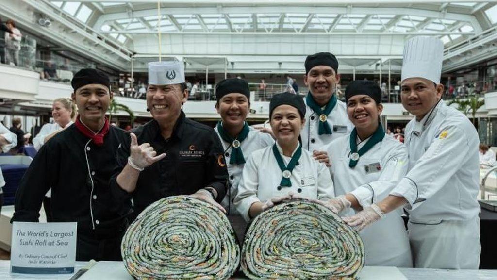 Wow! Ini Dia Sushi Roll Terbesar di Dunia Dibuat di Atas Kapal Pesiar
