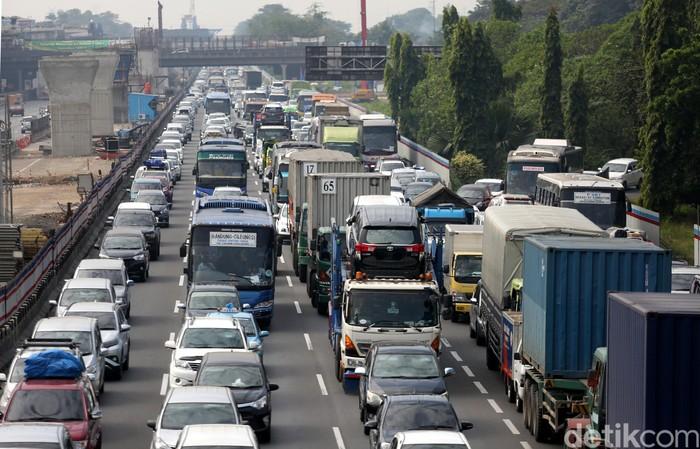 Ilustrasi moda transportasi darat (Foto: Agung Pambudhy-detikcom)