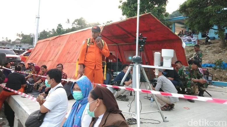 Foto: Suasana keluarga korban KM Sinar Bangun (Jon Roi/detikcom)