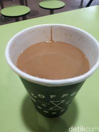 Slurp! Enaknya <i>Sea Salt Caramel Latte</i> Buatan Kopitiam Kekinian di Singapura