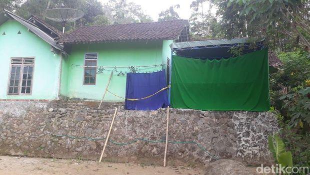 Rumah Yamini, dukun pijat aborsi di Magelang.