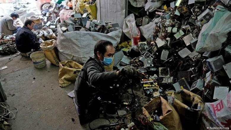 Ekologi di Cina Rusak Akibat Daur Ulang Sampah Plastik Impor