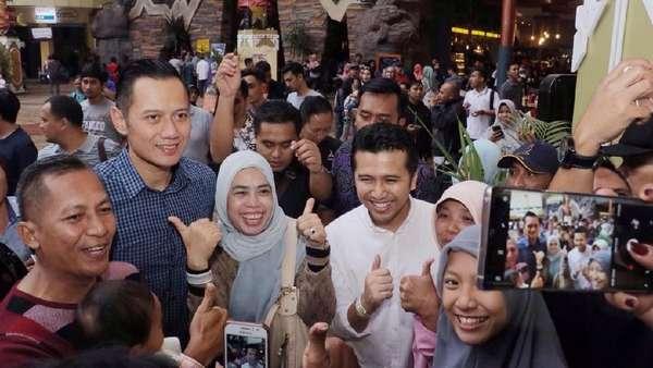 Pengunjung Jatim Park 3 Rebutan Selfie Bareng Emil Dardak dan AHY