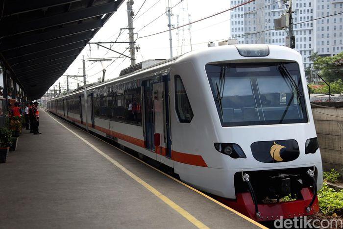 PT Railink menggelar uji coba layanan Kereta Bandara Soekarno-Hatta hingga Stasiun Bekasi.