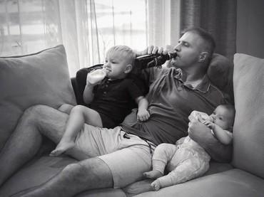 Sejahil apapun perilaku ayah, pasti mereka ingin anak-anaknya tumbuh menjadi lebih baik dari dirinya.