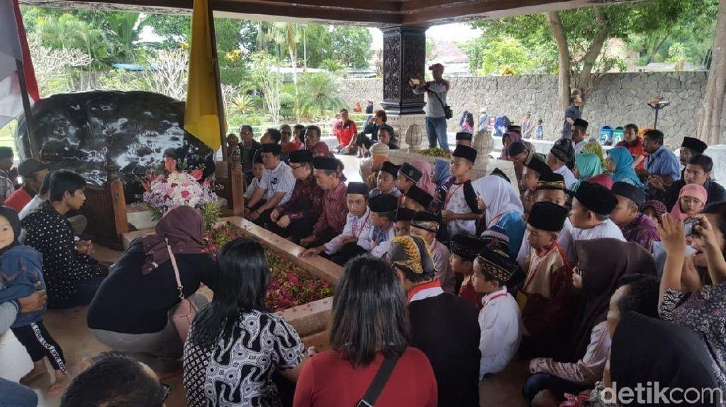 Video: Tangis Megawati di Haul Bung Karno
