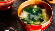 Waduh! Pria Ini Masukkan Sarden untuk Pakan Hewan dalam Sup Miso Niboshi Buatannya