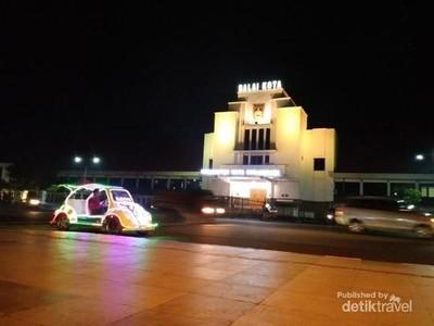 Alun-alun Lapangan Dr Murjani, Pusat Wisata Malam Banjarbaru