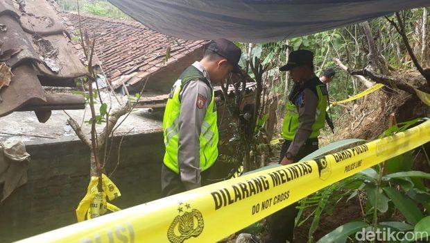 TKP kuburan bayi-bayi korban aborsi di Magelang.