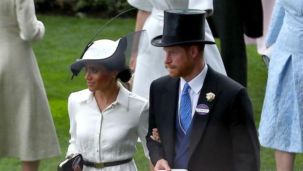 Pangeran Harry Cemburu Lihat Tangan Meghan Dicium Atlet Ini