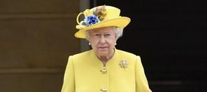 Ini Kue yang Selalu Dibawa Ratu Elizabeth Ketika Berpergian