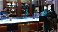 Masyarakat yang menjual berlian juga meningkat hingga 25%.