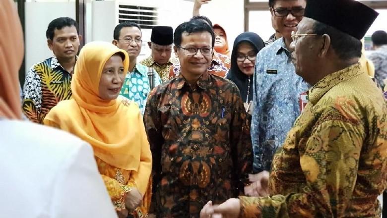Hari Pertama Kerja, Plt Gubernur Riau Sidak ke Rumah Sakit