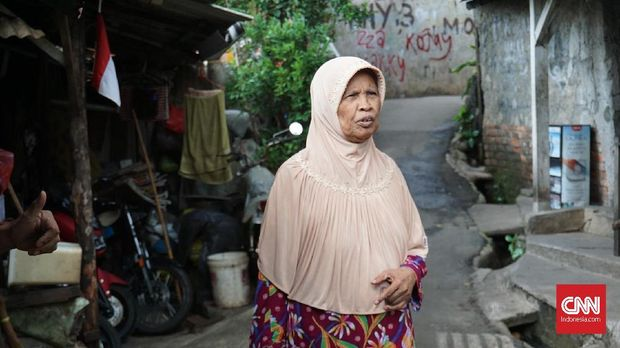Hasimah, salah satu warga Betawi asli yang masih tinggal di kampung Kemang.