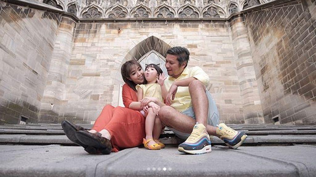 Foto: Pasangan Artis yang Mesra di Medsos Tapi Cerai Seperti Gisel & Gading