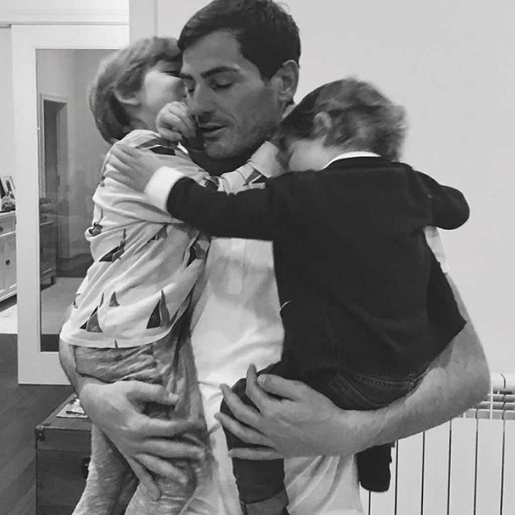 Hangatnya Kebersamaan Keluarga Kiper Timnas Spanyol Iker Casillas