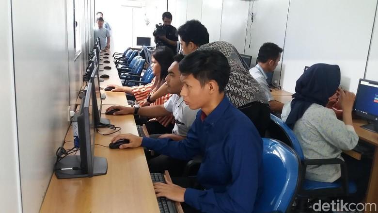 Simulasi tes psikologi SIM (Foto: Arief Ikhsanudin)