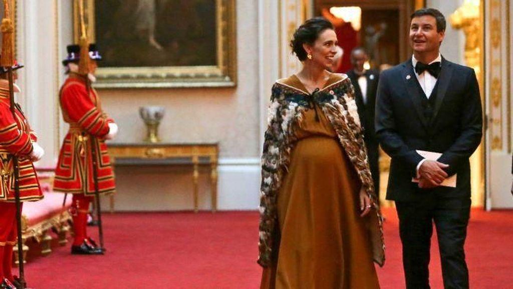 Perdana Menteri Selandia Baru Masuk RS Untuk Melahirkan