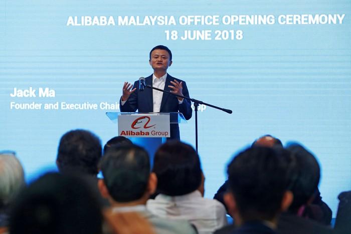 Pidato Jack Ma saat buka kantor di Malaysia. Foto: Reuters