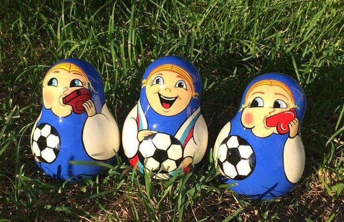 Boneka Matryoshka ini menjadi souvenir Piala Dunia 2018. Foto: Dok. Themoscowtimes.com