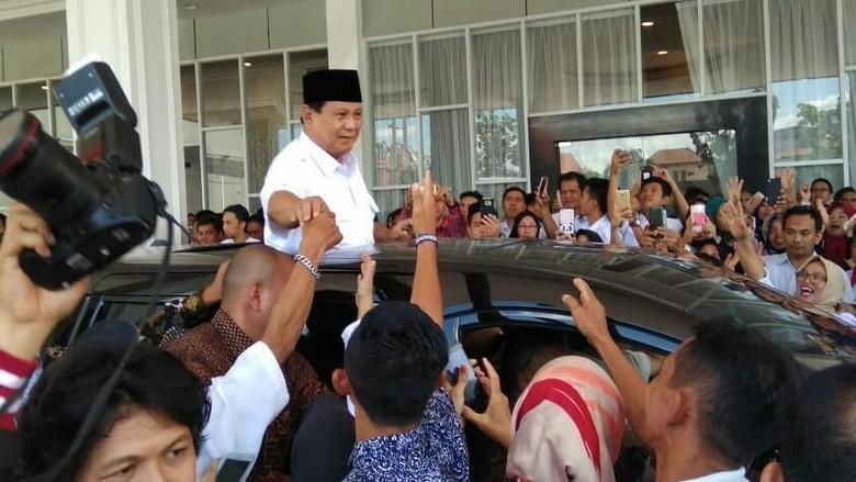 Jelang Pencoblosan, Prabowo Bakar Semangat Kader di Sumsel