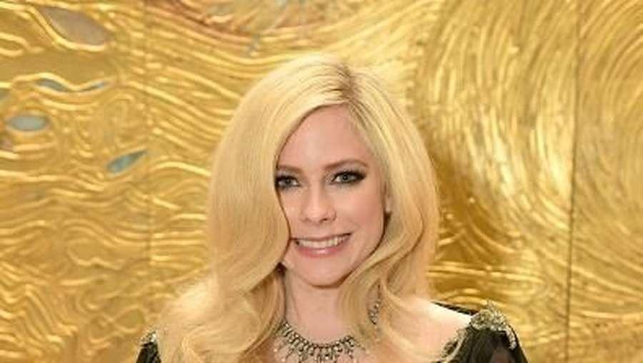 Avril Lavigne yang Kini Makin Cantik