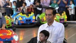 Presiden Republik Indonesia Joko Widodo kini tengah berulang tahun yang ke-57. Tiru yuk kebiasaan sehatnya agar tetap energik seperti Jokowi.