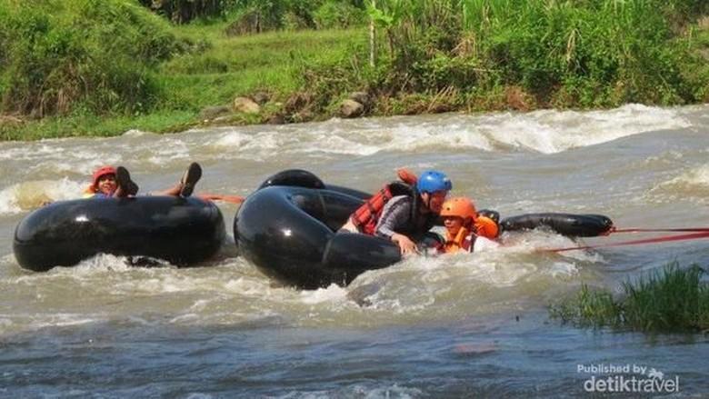 River Tubing di Salatiga (Galihyoga/dTraveler)